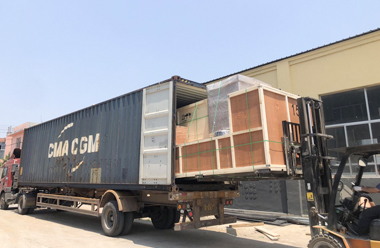 Five engraving machines and plasma cutting machines are ready to be sent to Chile